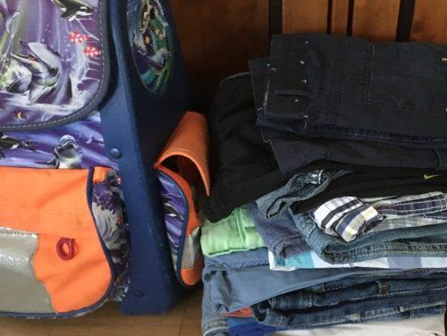 Von Kleidung über Möbel bis Schulranzen - einer reichts dem anderen